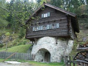 house-338806 1920